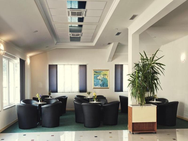 Hotel Adria или подобен