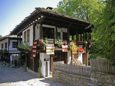 Екскурзия до Боженци, Етъра и Соколски манастир